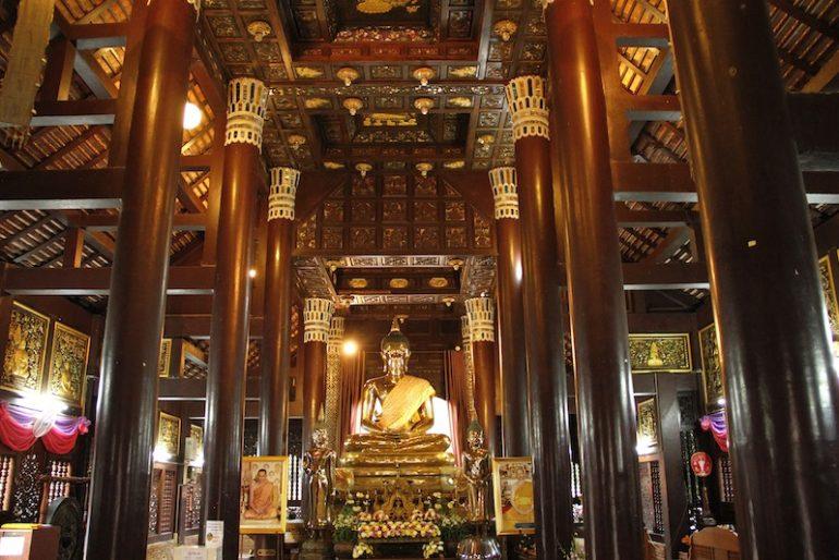 The main Buddha statue