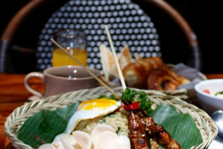 Asian breakfast at the courtyard