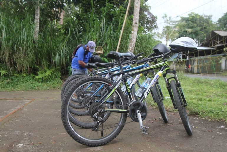 Eco cycling tour bikes