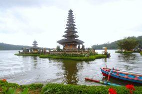 Ulun Danau Beratan Temple