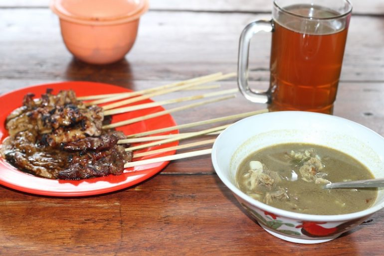 Rabbit sate and goat soup in Candikuning Market