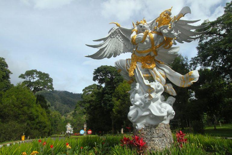 Statue of Rahwana-Jatayu