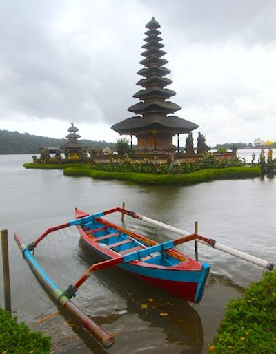 Ulun Danau Beratan floating Temple