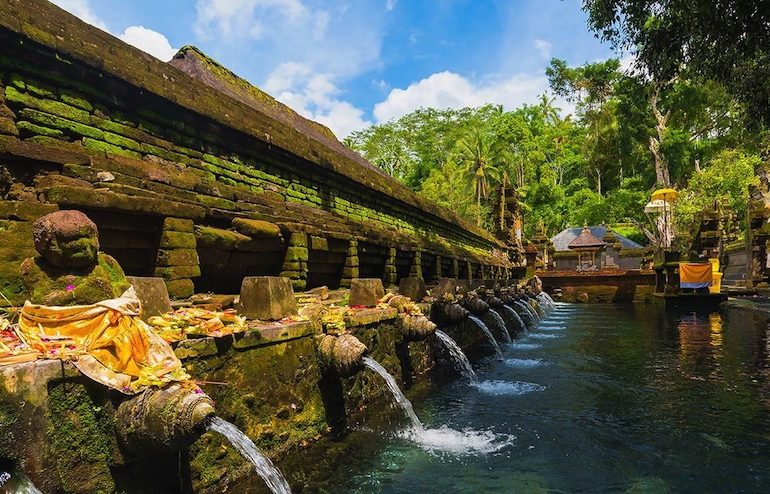 Bali Banjar natural springs