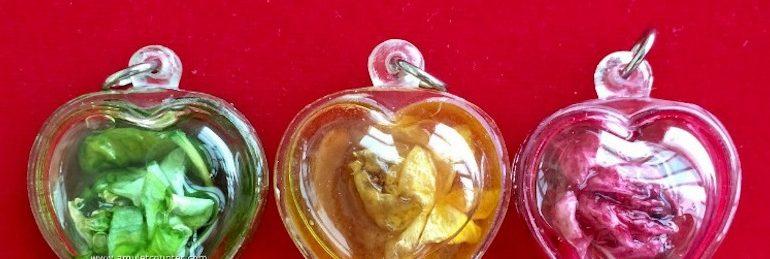 Amulets with Dok Rak flowers