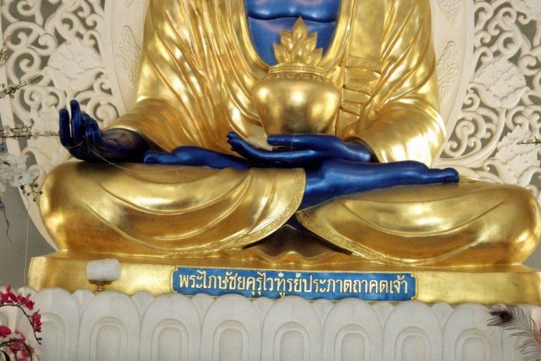 A magnificent Buddha statue