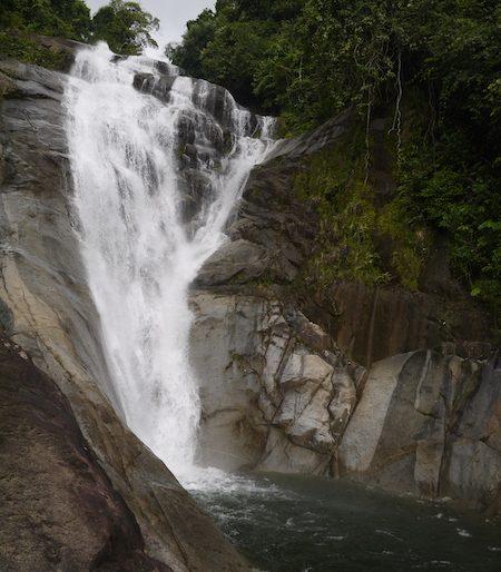 Jangkar waterfall jump