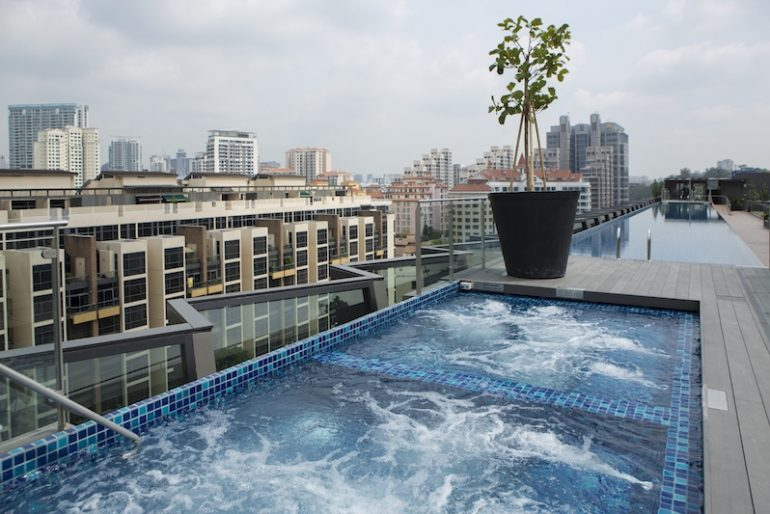 Amazing rooftop jacuzzi