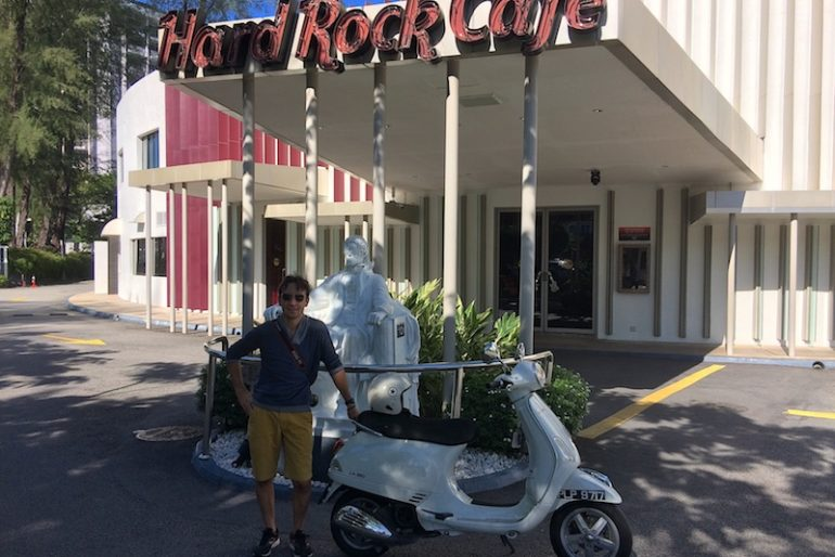 The author with Michael Jackson statue at Hard Rock Cafe