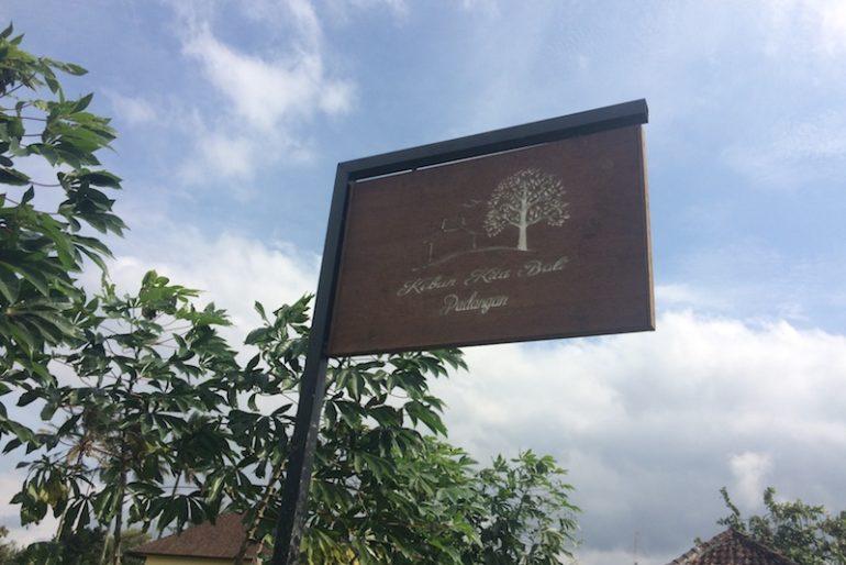 Kebun Kita Villa sign