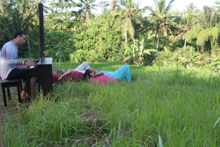 Relaxing time on the Bali Purnati grounds