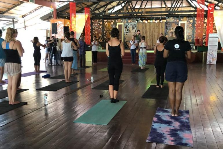 A powerful class by Come Reza Yoga