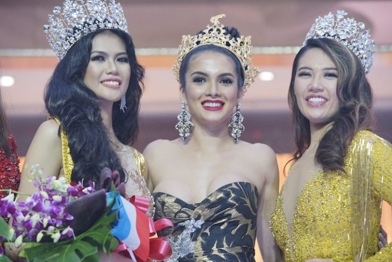 Clara Sosa (middle) was present to witness the crowning of the new Miss Grand Malaysia with Debra Jeanne Poh (right).