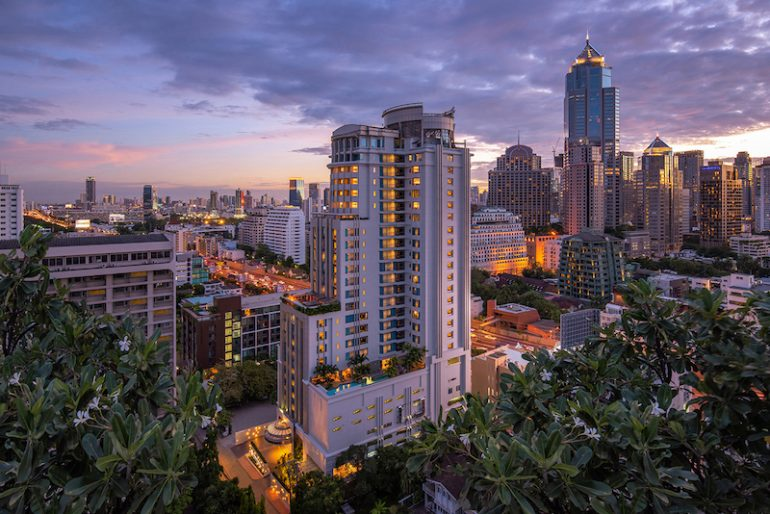 DoubleTree by Hilton Bangkok Ploenchit occupies a prime location in the heart of Bangkok. Close to the embassy row, vibrant street life and walking distance to BTS