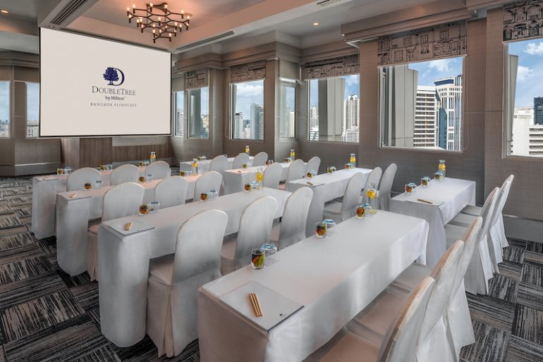 Hold inspirational meetings or intimate social events at the rooftop function venue with Bangkok skylines as the backdrop