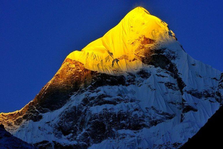 Nilkantha Peak