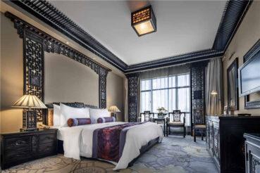 Iconic Kunming Zhongwei Green Lake Hotel in Yunnan
