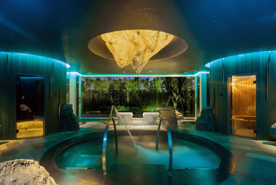 Sauna, steam room, ice fountain and water jets are all part of The Rainforest experience at Banyan Tree Spa Krabi